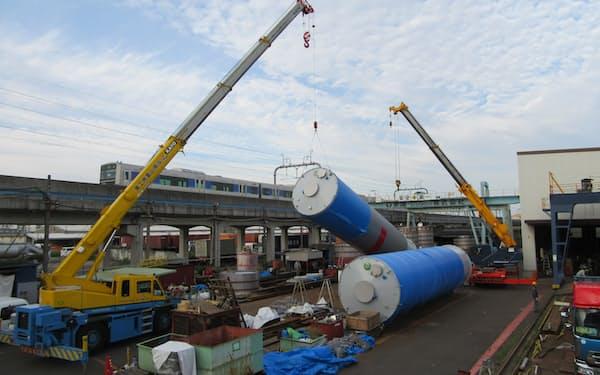 コロナ禍でもタンクやサイロの需要が伸びている(名古屋市港区の既存工場)
