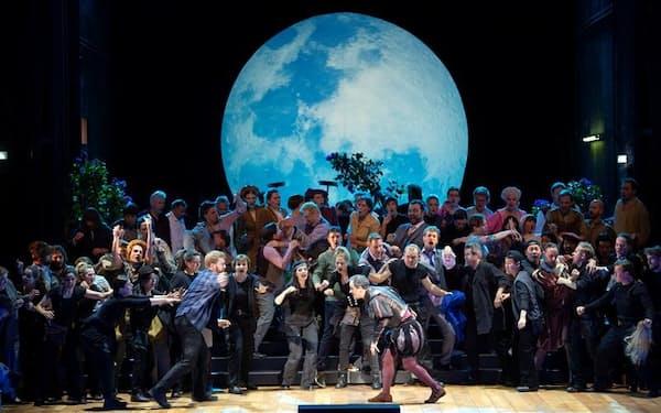 11~12月に上演する「ニュルンベルクのマイスタージンガー」(共同制作するザルツブルク・イースター音楽祭の公演から)(C)OFS/Monika Rittershaus