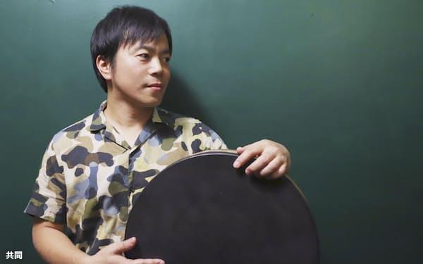ドラマー、パーカッショニストの小川慶太さん=本人提供・共同