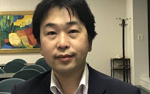 第一生命経済研究所の新家義貴氏