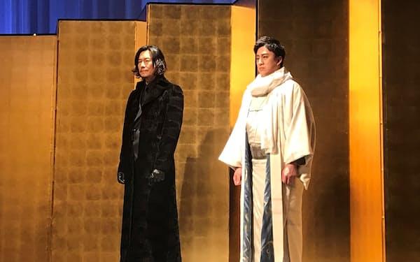 「鬼平犯科帳」の主演に決まった松本幸四郎(右)と、「仕掛人・藤枝梅安」に主演する豊川悦司