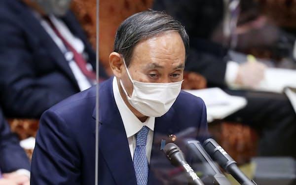 総務省幹部らへの接待問題で答弁する菅首相(15日)