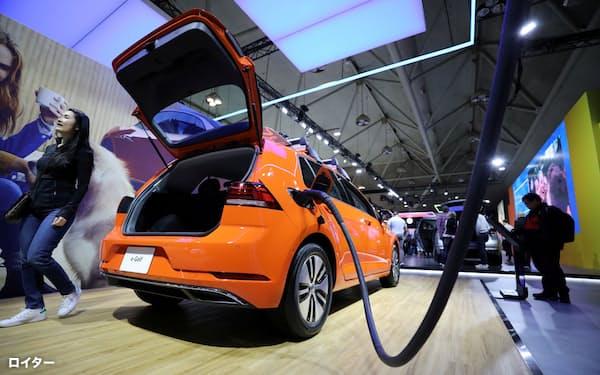 独フォルクスワーゲン(VW)はEVの車種拡充を急ぐ=ロイター