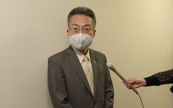 杉本知事は議会閉会後、「議論は徐々に深まっている」と話した(17日、福井県庁)