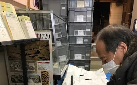 終戦の日に撃墜された零戦の機関銃。千葉県の土中から発見された(千葉県睦沢町の歴史民俗資料館)