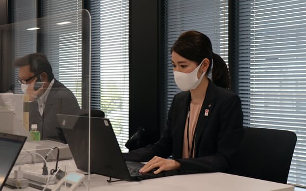 Kスカイから親会社の鴻池運輸に出向している西村さん。グループ内外への出向で雇用を維持している