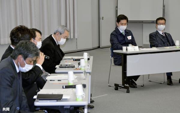 大阪府庁で開かれた「国際金融都市OSAKA推進委員会」の準備会合=23日