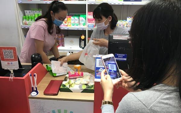 ベトナムでもモバイル決済が普及してきた(ハノイ市内)