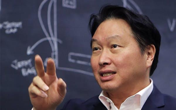 韓国財閥3位のSKを98年から率いる崔泰源会長