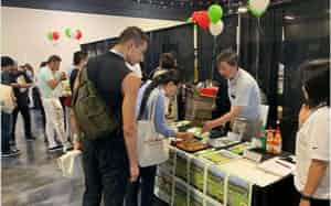 ワサビを使ったレシピ提案などにも力を入れる(米カリフォルニア州の展示会)