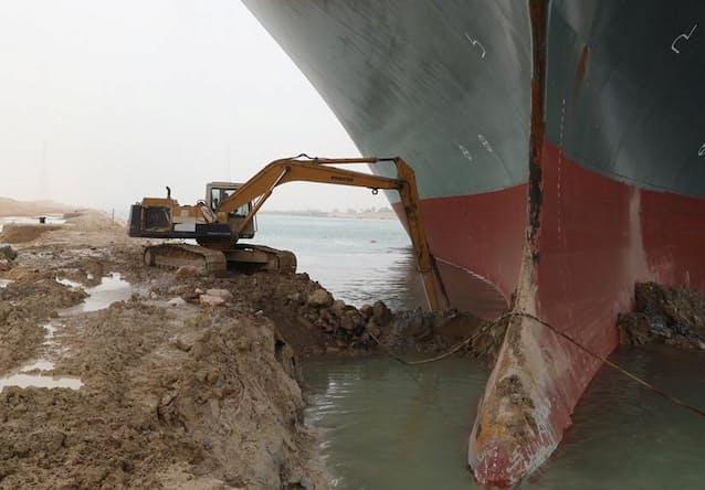 スエズ運河遮断、長期化に懸念 「数週間」指摘も: 日本経済新聞