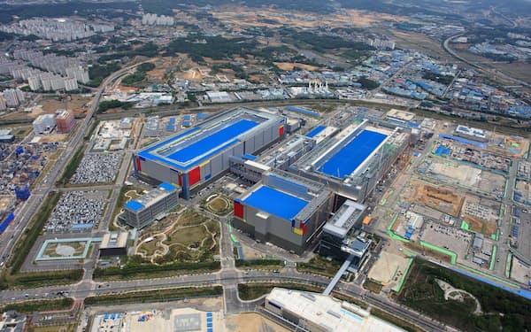 サムスン電子はソウル近郊の平沢(ピョンテク)工場で最先端の半導体生産を受託する