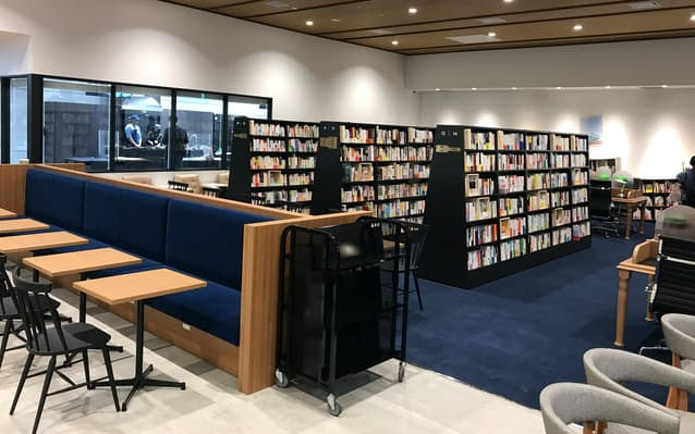 岩田屋三越、入場料必要な書店「文喫」が31日開業: 日本経済新聞