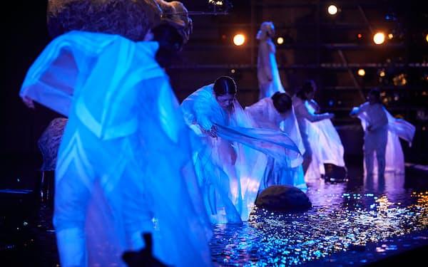コロナ禍を機に、約280本の舞台が権利処理され配信可能に(仏アヴィニョン演劇祭で上演されたSPAC「アンティゴネ」(C)Christophe Raynaud de Lage)