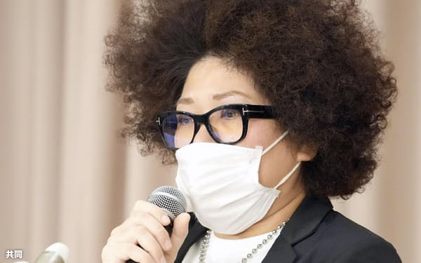 BPOの決定を受け、記者会見する木村花さんの母、響子さん(30日午後、東京都千代田区)=共同