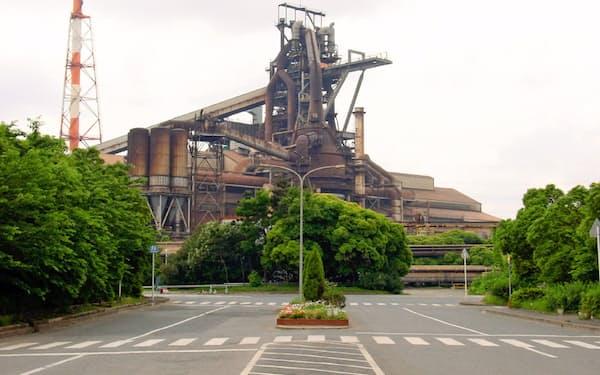 製鉄所内に天然ガス火力発電所を建設する計画を中止する(JFEの東日本製鉄所の千葉地区)