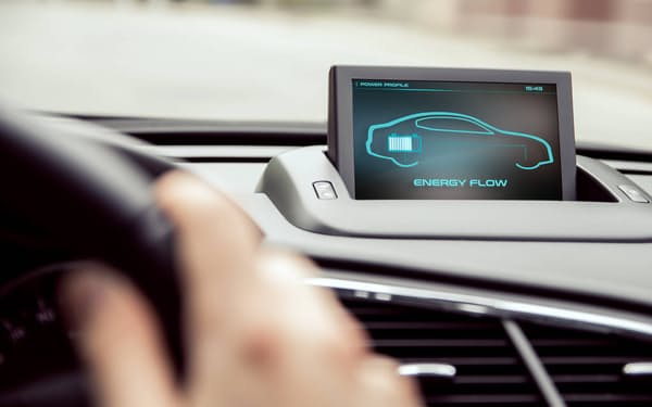 自動車などで電動化が進み、電池の再利用なども見据えて管理システムを開発する=図虫