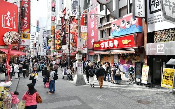 大阪・ミナミの繁華街は人出が増えていた(3月17日)