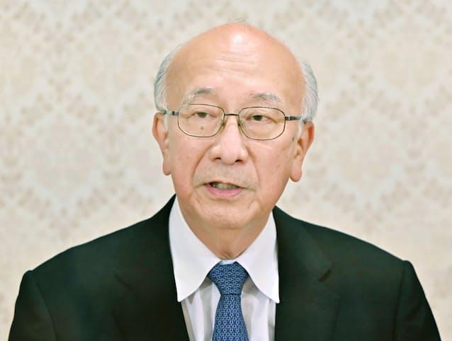 別所新侍従長が会見 「誠心誠意尽くしたい」: 日本経済新聞