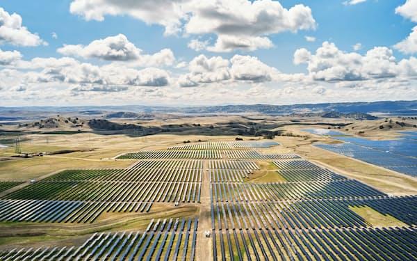 アップルのカリフォルニア州内の施設に電力を供給している太陽光発電施設(同社提供)