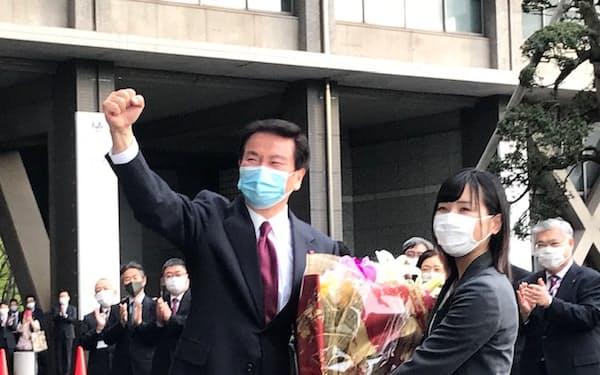 千葉県の森田健作知事は3期12年務めた県庁を後にした(2日、千葉県庁)