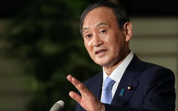 菅首相(1日、首相官邸)