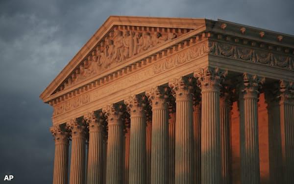 米最高裁は5日、ソフトウエアの著作権をめぐり約10年にわたって争われた大型訴訟でグーグル勝利の判決を下した=AP