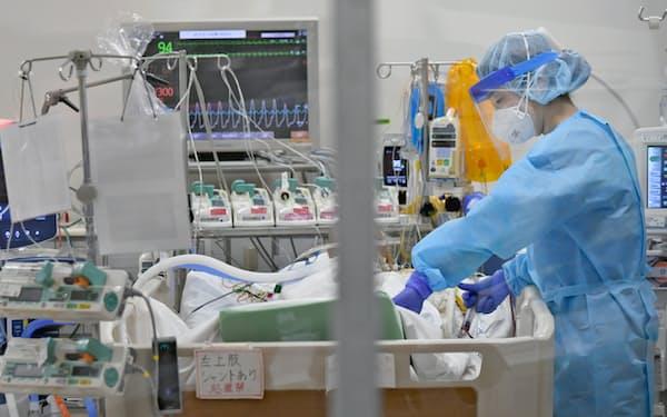 大阪大学医学部付属病院のコロナ重症患者専用病床(6日午前、大阪府吹田市)=一部画像処理しています