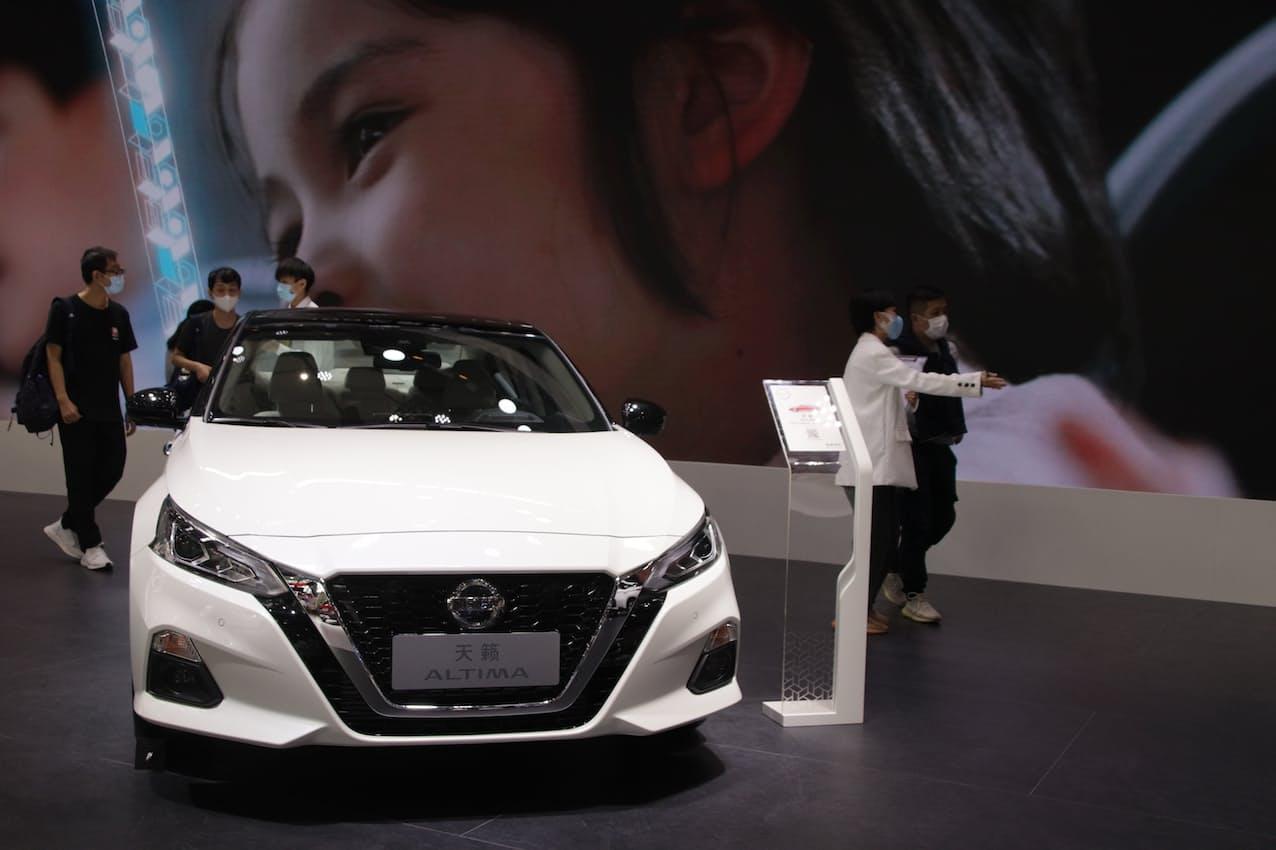 日産自動車の3月の中国新車販売は「シルフィ」や「アルティマ」など乗用車の主力車種が好調だった(広東省広州市の展示)