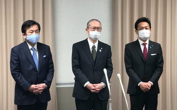 会談した神津連合会長と枝野立民代表、玉木国民民主代表(東京都千代田区)