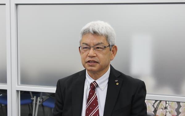 インタビューに答える九州産業交通HDの森社長(熊本市)