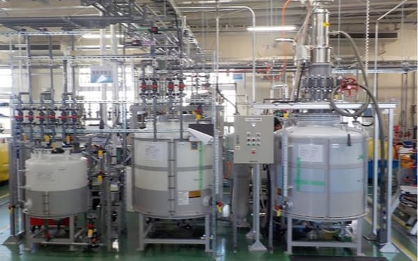 茨城県つくば市で電解液の技術研究と試験生産をしている