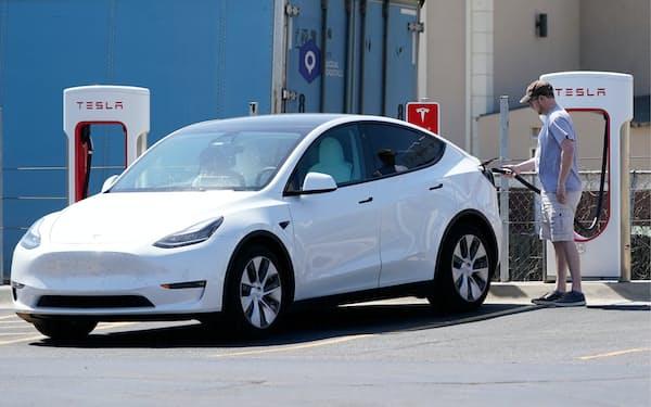 電気自動車の普及に伴いレアメタルの需要も拡大が見込まれる(米カンザス州、AP)
