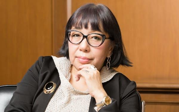 「恋愛のことは当事者にしか分からない」と語る山田詠美