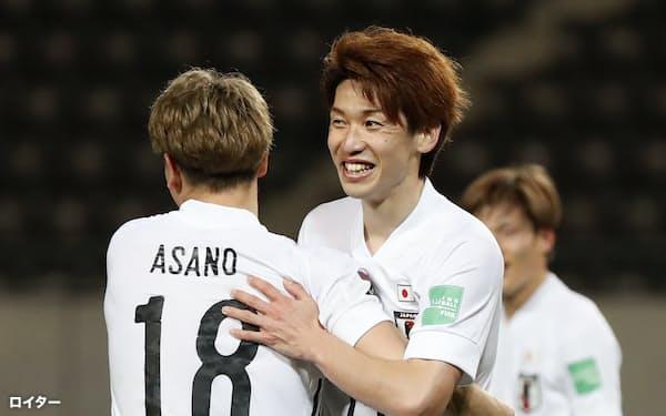 ここぞとばかり、日韓戦、W杯アジア2次予選モンゴル戦と意地を見せた大迫=ロイター
