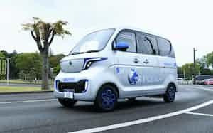 佐川急便が公開した電気軽自動車のプロトタイプ車両(13日、神奈川県綾瀬市)