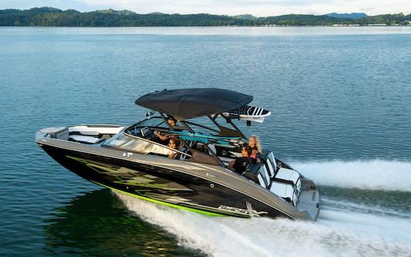ウエークサーフィン用のボート「255XE」