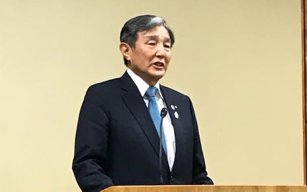 15日、「関西広域連合」の会合後に記者団の取材に応じた仁坂和歌山県知事