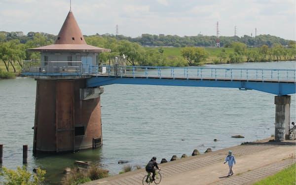 1941年建設の金町浄水場取水塔は近い将来の改修が必要になっている