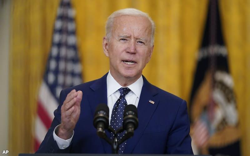 15日、バイデン米大統領はロシアとの対話にも意欲を示した(ワシントン)=AP