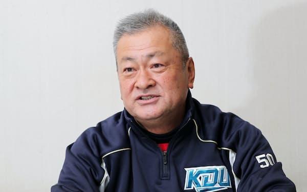 たなか・ひでまさ 1957年生まれ、大阪府出身。85年大阪・上宮高コーチに就任。91年同校監督となり、93年選抜高校野球大会で優勝。2003年に大阪・柏原高(現東大阪大柏原高)の監督に就任し、11年夏に甲子園出場。14年から母校の近畿大を率い、阪神の佐藤輝明らを育てた。