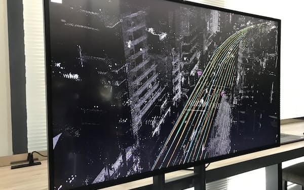 ダイナミックマップ基盤の地図データはセンチメートル単位で車線などを捉える