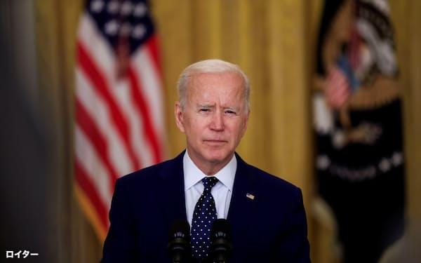 15日、バイデン米大統領は演説でロシアに対して「いまこそ緊張を緩和するときだ」と訴えた(ワシントン)=ロイター