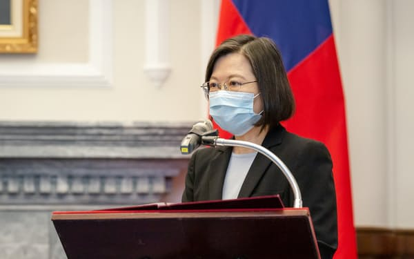台湾には中国からの統一圧力が強まっている(15日、台北市)=総統府提供