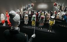 「絵画がブランドの核つくる」 神戸でコシノヒロコ展