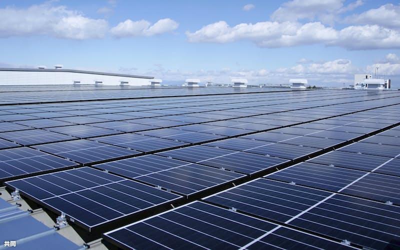 温暖化ガスの排出量削減に向け太陽光発電の拡大が不可欠だ=共同
