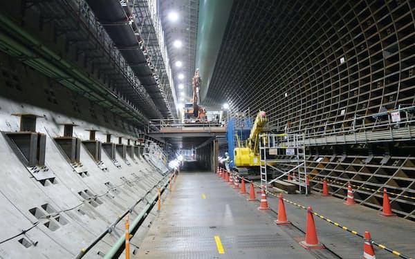 40メートルを超す地下で工事が進む(外環道の本線トンネル)
