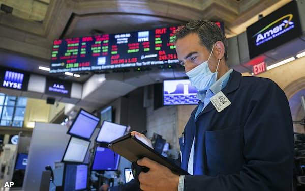 ニューヨーク証券取引所(19日)=AP