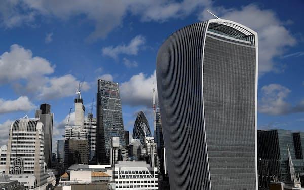 英国のEU離脱に伴い、ロンドンの金融街シティーから資産と雇用が流出している=ロイター