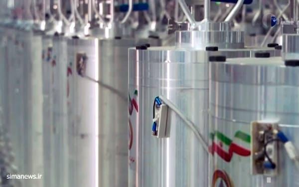 イランは濃縮度を60%に高めたウランの生産に着手した(中部ナタンズの濃縮施設。イラン国営放送の映像から)=AP